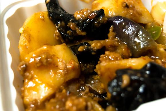 スマートキッチンの10分間本格手料理キットはカット野菜や肉や調味料にレシピ付き