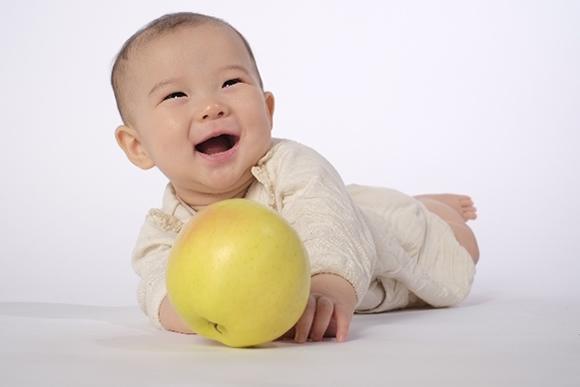 離乳食を食べた後の赤ちゃん